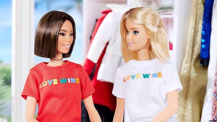 Barbie Lezbiyen mi? Yeniden Ortaya Çıkan Fotoğraflar Twitter'da Spekülasyon Yarattı!