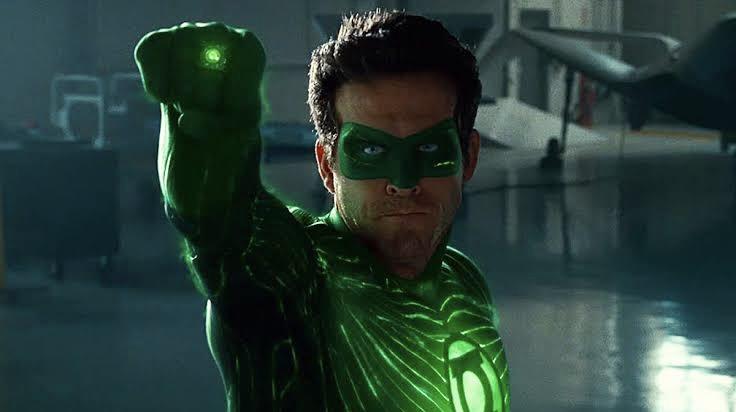 Green Lantern İki Çocuklu Eşcinsel Bir Erkek Olarak Dönüyor!