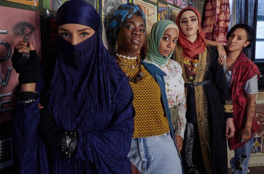 Müslüman Bir Kadın Punk Grubunu Anlatacak Dizi: 'Lady Parts'a İlk Bakış