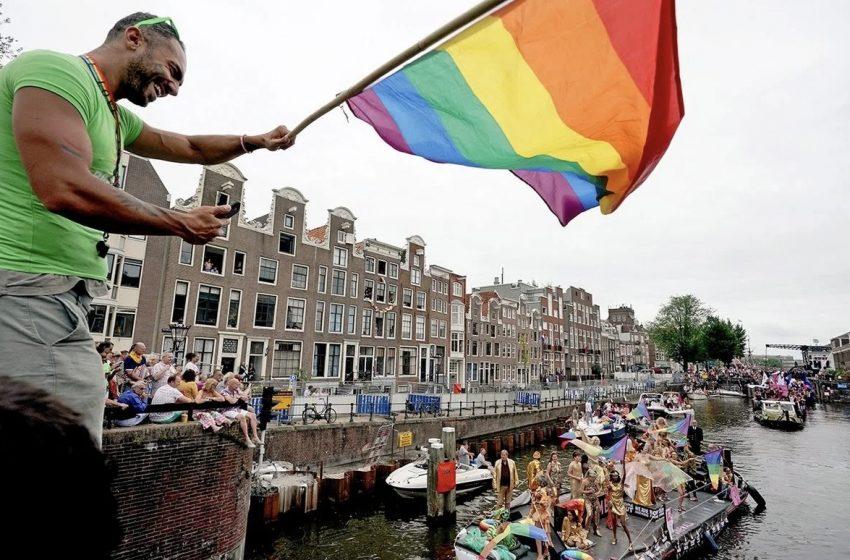 Evlilik Eşitliğini Kabul Eden İlk Ülke Olan Hollanda, 20. Yılını Kutladı