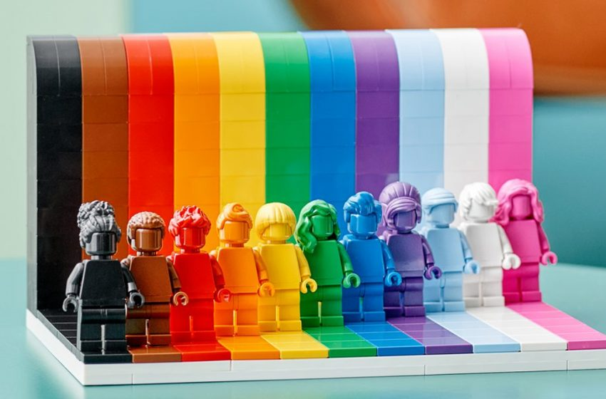 Lego, İlk Gökkuşağı LGBTİ+ Setini Tanıttı