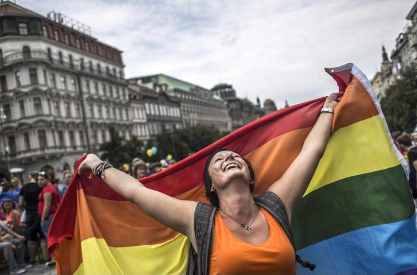 Çek Cumhuriyeti Tarihi Yasayla Evlilik Eşitliğine Biraz Daha Yaklaştı!