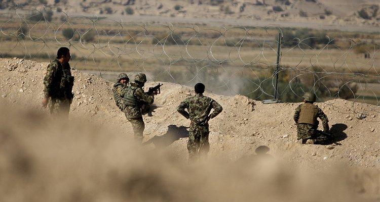 Taliban Kontrolündeki Afganistan'da Eşcinsel Bir Erkek 3 Metrelik Duvarın Altında Kalarak İnfaz Edilecek!