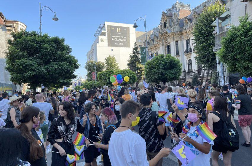 Binlerce Kişi Bükreş Pride İçin Sokağa Çıktı