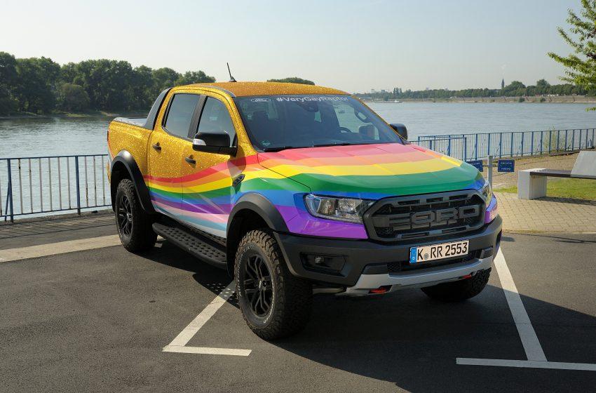 Ford Homofobiye Gökkuşağı Kamyonuyla Cevap Verdi!