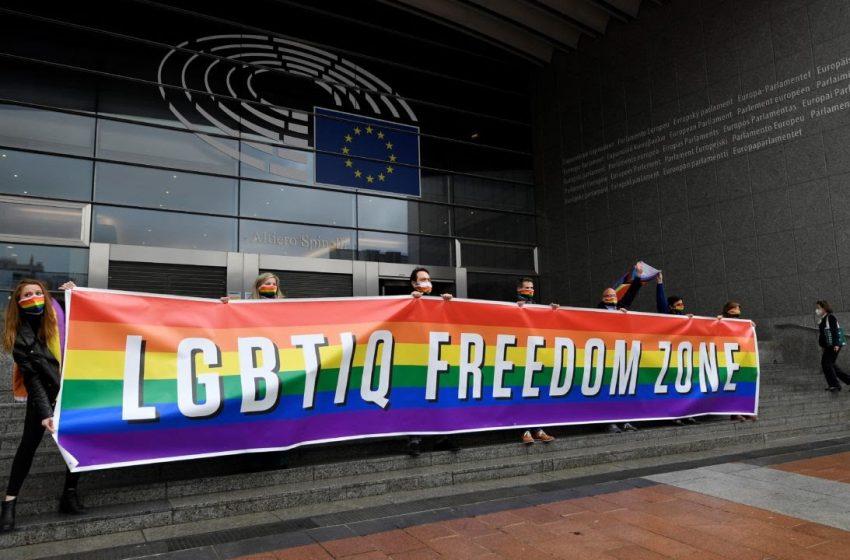 Avrupa Parlamentosu'ndan Çağrı: Eşcinsel Çiftler Tüm AB Üyesi Ülkelerde Tanınmalı