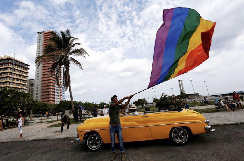 Küba, Eşcinsel Evliliği Yasallaştırmaya Yönelik Büyük Bir Adım Attı!
